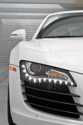 รถสีขาว