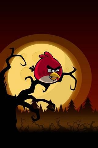 นกโกรธบนต้นไม้