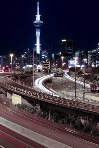 Đường cao tốc vào ban đêm